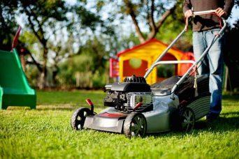 Top 5 best gas lawn mowers under $300