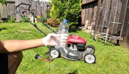 motor oil to use in your lawnmower