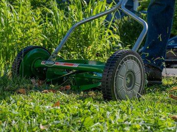 Manual and Push Lawn Mowers